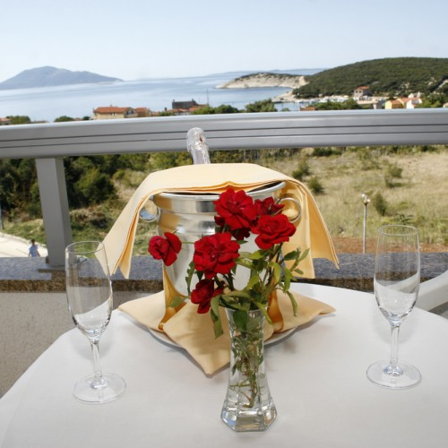 Hotel and restaurant ZLATNI LAV – CRES